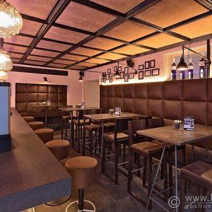 Cafe Urban, Schwarzer Dackel, Wels, 2018